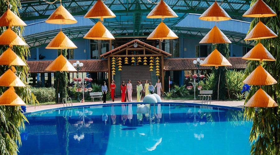 Khách sạn kim cương đảo ngọc xanh